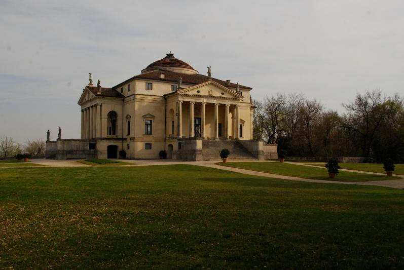 The Villa Rotunda www.bluemesablog.com