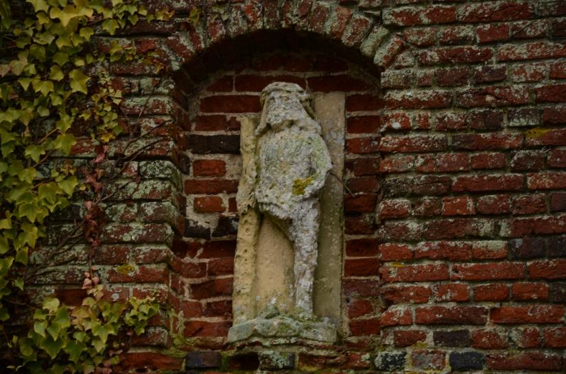 Moat Hall, England www.bluemesablog.com