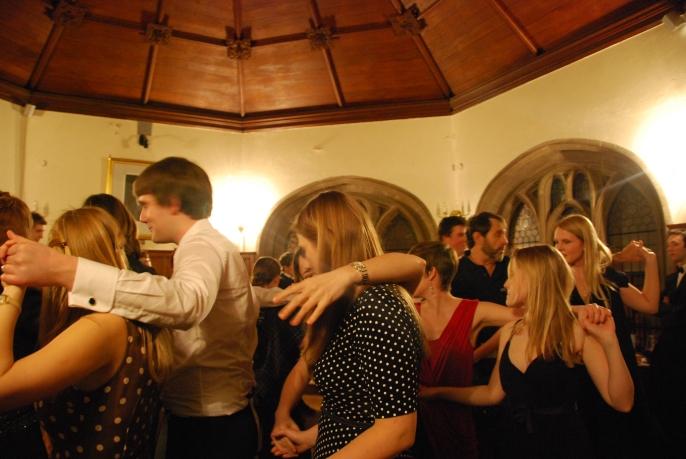 The Dance of Inverness, Scotland www.bluemesablog.com